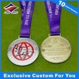 La médaille d'or de rotation amovible tournent les récompenses de sport terminées par or de médaille