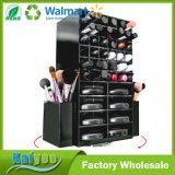 El sostenedor del lápiz labial ranura, los cepillos y 16 cosméticos negros de las cajas del compacto de polvo que hacen girar a organizador de acrílico del maquillaje
