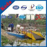 水Weedの切断の収穫機の船