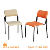 Escritorio y silla de madera simples para la alta universidad