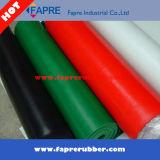 Rouleau de caoutchouc en silicone rouge / feuille de caoutchouc rouge industriel en silicone.