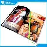 Impression faite sur commande de livre d'art de papier de couleur mate de livre À couverture dure