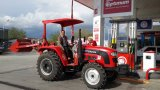 東ヨーロッパのためのセリウムとの4WD 50HPの農場の農業トラクターの製造