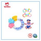 Het grappige Stuk speelgoed van Teether van de Baby van het Silicone van de Rammelaar voor het Bijten van de Baby