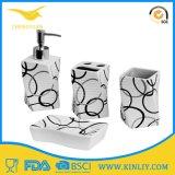 Insieme accessorio del bagno della stanza da bagno variopinta di ceramica moderna fatta a macchina