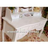 居間のライティングデスクミラーおよび腰掛けの一定のコンソールテーブル