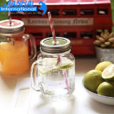 Frasco de pedreiro de vidro do frasco da bebida com tampa e palha