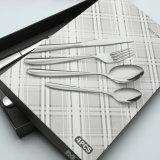 Le ruban d'acier inoxydable a plaqué le jeu de cuillère de fourche de couteau de vaisselle de dîner