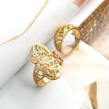 Ahuecar hacia fuera la joyería determinada de la manera del anillo de compromiso doble del corazón de la planta