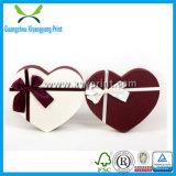 Rectángulo de regalo de lujo del chocolate de la cartulina del papel de la dimensión de una variable del corazón con la tapa clara