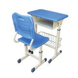 Mesa elegante e cadeira da escola vendidas no disconto
