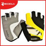カスタム通気性の網重量挙げのための半分指のバイクの手袋