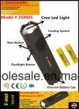 Volts élevés de décharge électrique avec la lampe-torche