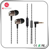 Novo design OEM Earbuds Metal Wired Earphone com microfone