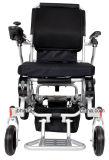 Cadeira de rodas de dobramento elétrica de pouco peso da potência