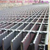 Barra serrada galvanizada de la INMERSIÓN caliente que ralla para el suelo de la plataforma