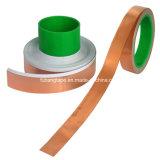 La cinta de cobre de la hoja movió hacia atrás con el pegamento conductor