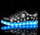 El cráneo único LED de 7 colores calza la luz para el partido
