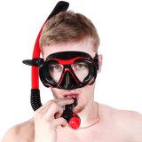 De Apparatuur van het vrij duiken snorkelt en maskeert