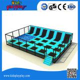 Berufsgymnastik-blauer Innentrampoline-Park mit Schaumgummi-Vertiefung für Verkauf