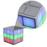 6 Würfel mini beweglicher Bluetooth Lautsprecher LED-hellen Rubiks (OITA-6625A)