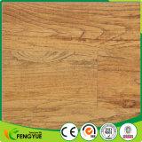 Tuile de luxe personnalisée de vinyle en bois de PVC de plancher durable professionnel de cliquetis