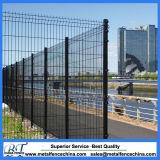 PVCによって塗られる電流を通された金網の塀のパネル