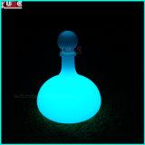 조명한 LED는 PE 고객 로고를 가진 플라스틱 맥주 병을 광고한다