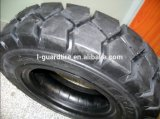 Schräges Industrial Forklift Tires mit Cheap Price 700-15