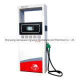 Étalages de la pompe à essence deux de distributeur d'essence