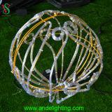Decoração ao ar livre do Natal da luz dourada da esfera