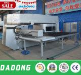 Machine de presse de perforateur de tourelle de commande numérique par ordinateur avec des outils d'Amada/service d'outre-mer