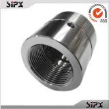 CNC di abitudine che lavora intorno al cilindro dell'acciaio inossidabile