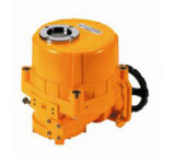 Dispositif d'entraînement électrique rotatoire/dispositif d'entraînement électrique de modulation/dispositif d'entraînement électrique de quart de tour