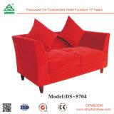 Mobília nova da sala de visitas do projeto com sofá de couro