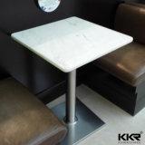 Mesa de café e cadeira de café pequeno e branco moderno