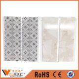 Prix de panneau de mur de PVC de Designes de plafond de PVC de matériau de construction