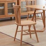 柔らかいシートが付いている椅子を食事する木の家具の高品質