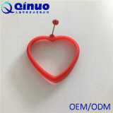 Molde vermelho do ovo do silicone do coração para fazer panquecas, Crumpets ou fritado