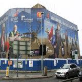Tabelloni per le affissioni e bandiere di pubblicità esterna e bandiera di costruzione della maglia degli involucri