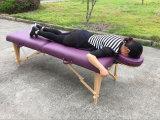 Tabella speciale di massaggio per le donne buone alla loro salute