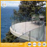 """Rete fissa di inferriata di vetro curva Frameless della balaustra della scanalatura a """"u"""" della Cina per la piscina, il balcone o la spiaggia"""