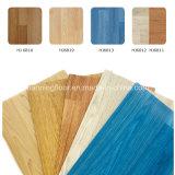 Le PVC folâtre le plancher pour le bois d'intérieur Pattern-4.5mm Hj6813 épais de basket-ball