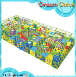 Da associação nova da esfera do bebê do projeto do jardim de infância campo de jogos interno