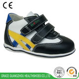Поддержка школы ботинок здоровья фиоритуры обувает ботинки малышей вскользь для предотвращать плоскую ногу