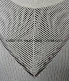 La manera de las señoras proveyó de costillas el suéter del estiramiento del hombro del rocío con el cuello redondo y el ganchillo largo de las fundas, del frente y de la parte posterior