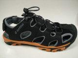El cuero de los hombres grandes de la talla se divierte los zapatos ocasionales de las sandalias