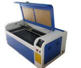 Machine de gravure non acrylique/de papier en bois en cuir fermée par métal de laser de CO2 de tissu
