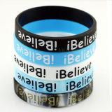 Bracelet respectueux de l'environnement de mode de silicones de cadeau de promotion avec le logo de Debossed