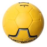 حجم 3 يد يخيط كرة قدم لأنّ [شلد بلي]